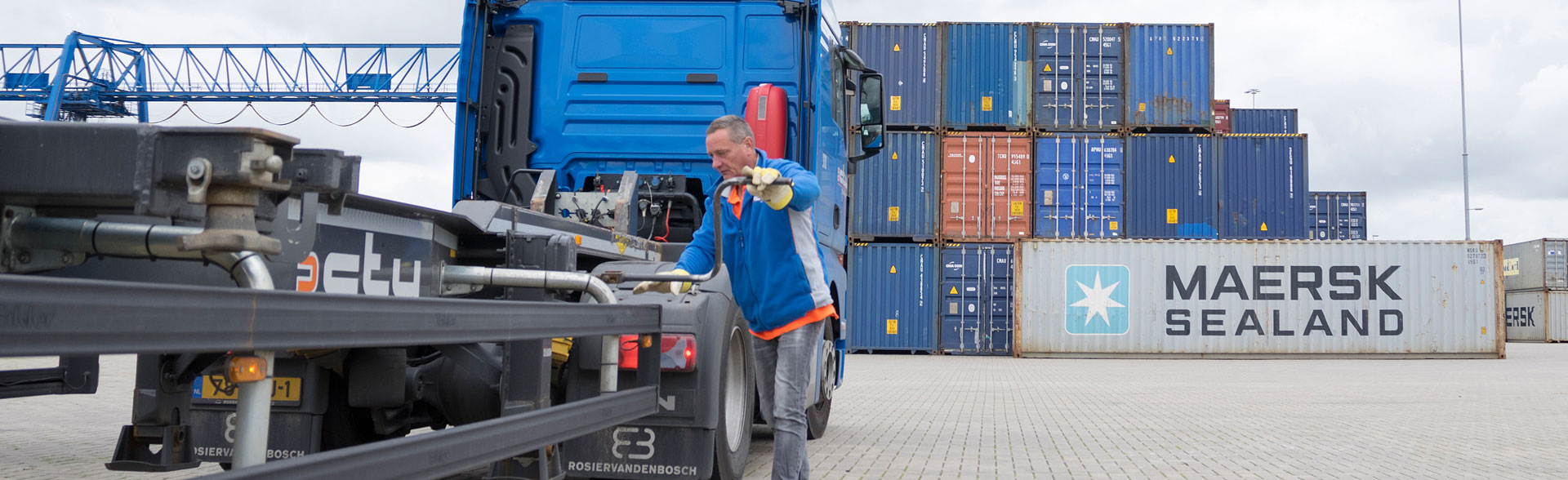 Business park Medel Loading and unloading